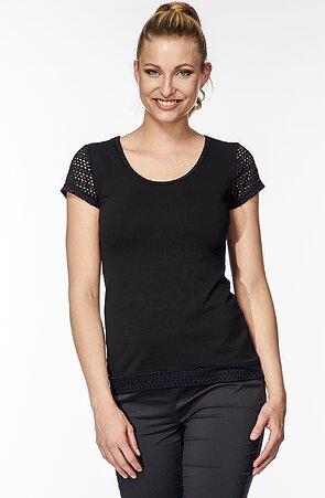 Bavlnená čierna dámska blúzka s čipkou 7723
