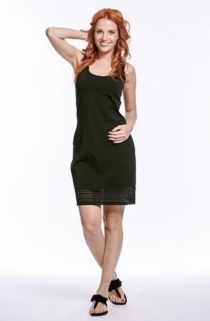 Jednoduché čierne dámske šaty s čipkou bez rukávov 7055