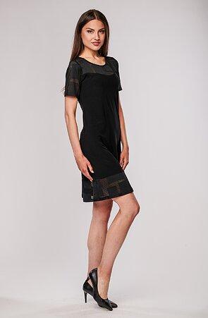 Přiléhavé černé dámské šaty s krajkou 7134