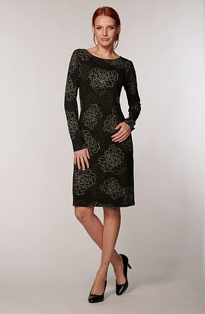 Elegantné čierne dámske šaty s jemnými kvetmi 7053