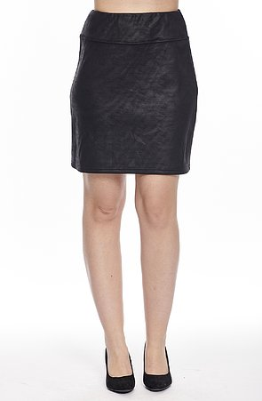 Kratšia čierna dámska sukňa s širokým pásom s imitáciou kože 123