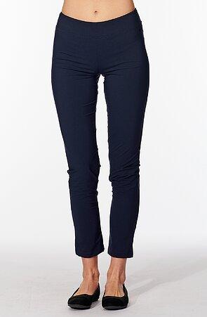 Ľahké tmavo modré dámske nohavice nad členky 313