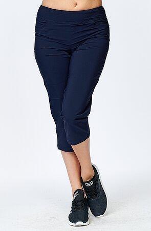 Voľnejšie funkčné tmavo modré dámske 3/4 nohavice s vreckami 253